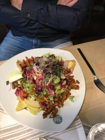 Romantik Hotel Zur Schwane: Salat mit Pfifferlingen sehr fein