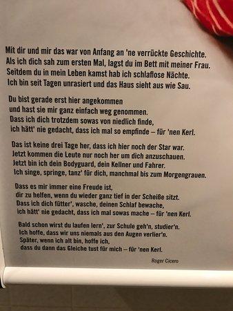 Romantik Hotel Zur Schwane: Entdeckt im Herren WC der Wickeltisch ... sehr lieb !