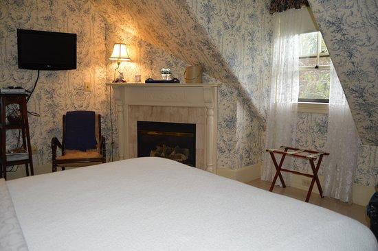 Berry Manor Inn Photo