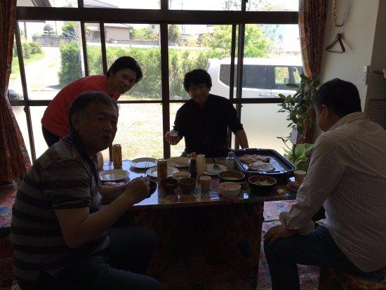 Yorii-machi, اليابان: 初めて会う人同士、相席でお楽しみください。