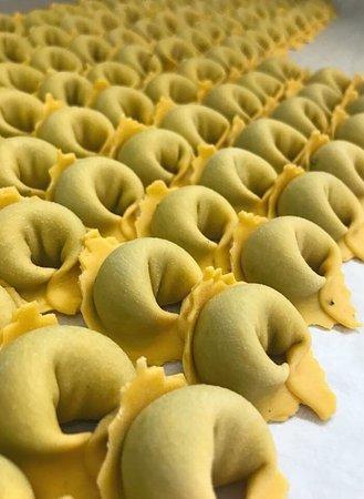 Albinea, Italia: Cappellettoni con ripieno di Borragine