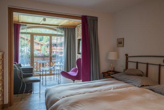 Hotel Eden Wellness: Doppelzimmer deluxe, Balkon und Matterhornblick