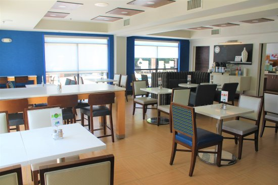 Holiday Inn Express Charlotte - Concord / I-85: Our breakfast area.