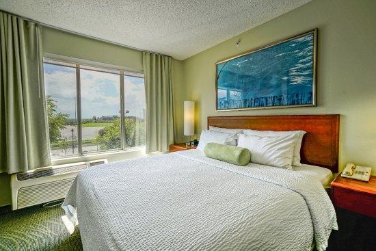 SpringHill Suites Dallas Arlington North Photo