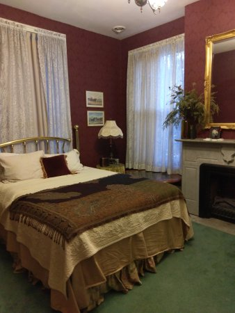 Galena, IL: Ryan Mansion - James' Room