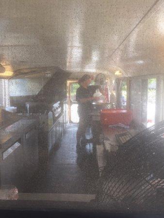 Leamington, Canada: The double decker fish restaurant