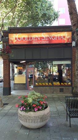 Golden Singha: Exterior
