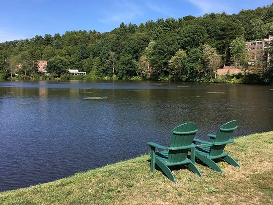 South Hadley, MA: The upper pond