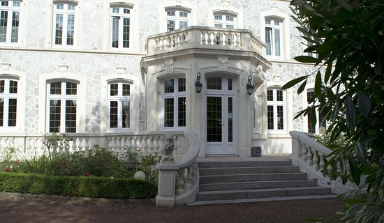 Le Wast, Francia: The impressive front elevation