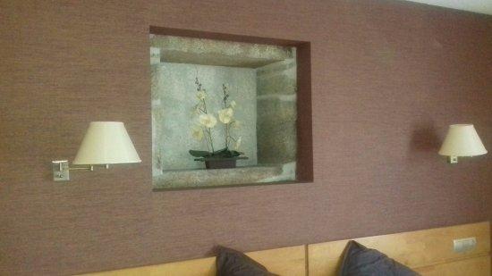 Roxos, Espagne : Detalle de la habitación. Cama grande y confortable.