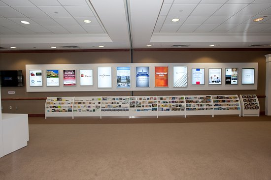 ไฮพอยต์, นอร์ทแคโรไลนา: Brochures with information from all across North Carolina