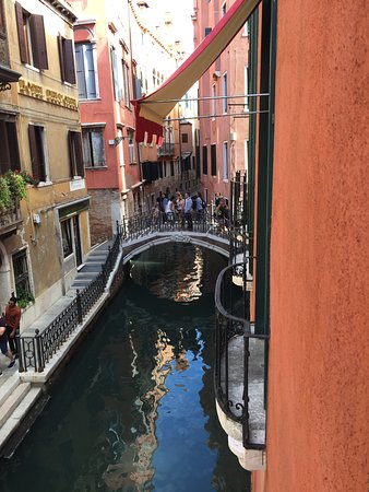 Hotel Saturnia & International: View from room 105 (double)