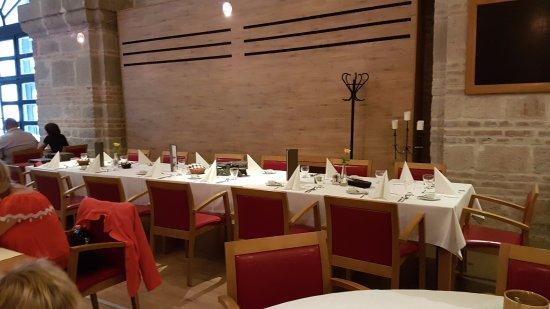 Prímás Pince: Prestrety stol
