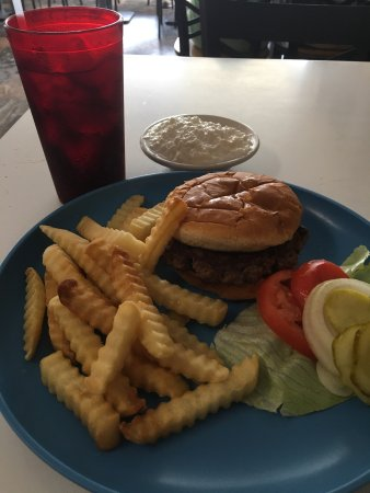 Pinckneyville, IL: Hand patted burgers!!  Fresh and delicious!!