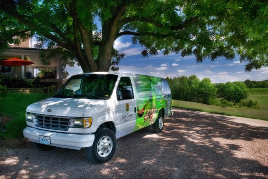 Marthasville, MO: New Courtesy Shuttle - FREE rides to and from the winery
