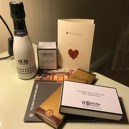 Hotel Pullman Aachen Quellenhof : Persoonlijke attentie op de kamer voor een bijzondere gelegenheid.