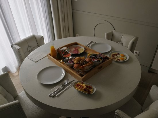 VixX Hotel: Breakfast in the room... super relaxing