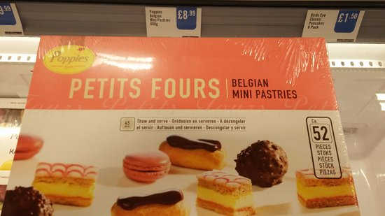Kenilworth, UK: Petits Fours are from Iceland - so not freshly baked.