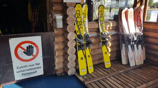 Hooksiel, Allemagne : Der Skiverleih hier Boards