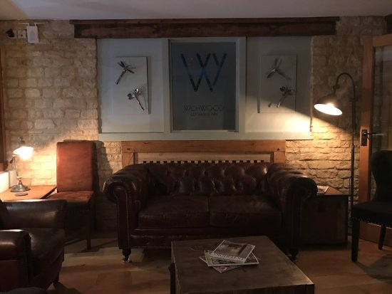 Shipton under Wychwood, UK: Old and new of the wychwood Inn