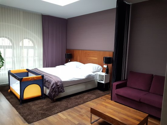 City Park Hotel & Residence: 20170907_175527_large.jpg