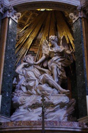 Santa Maria della Vittoria: Marmi