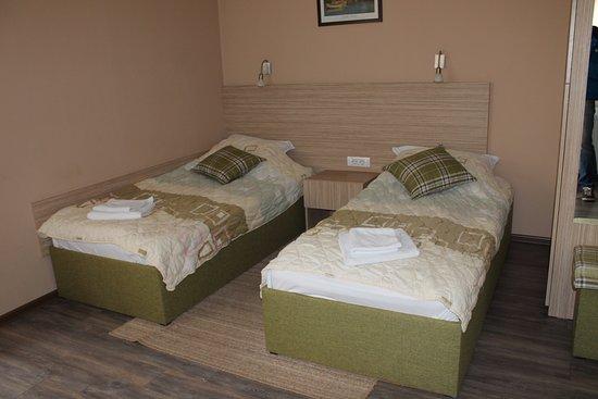 Vranje, Сербия: Dvokrevetna soba/Double room, Park Gate