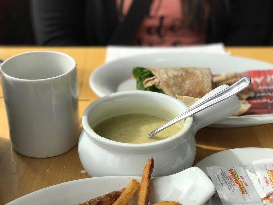 Airdrie, Canada: Abe's Restaurant