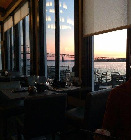 มิรามิจิ, แคนาดา: View towards river from diningroom