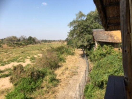 Jock Safari Lodge: vista externa da cabana 5