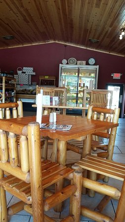 Mauston, WI: Furniture matches the log cabin theme