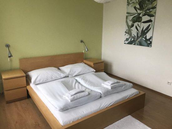Zlin, Czech Republic: Comfortable bed