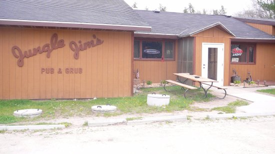 Athelstane, WI: Jungle Jim's Pub & Grub