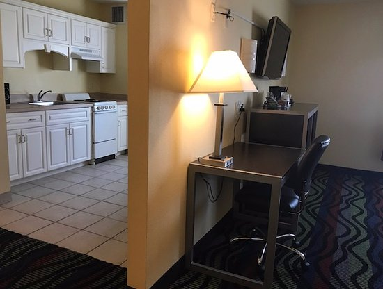 Grovetown, GA: Room with Kitchen