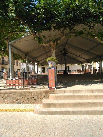 Higuera de la Sierra, Spanien: Plaza de la Constitucion