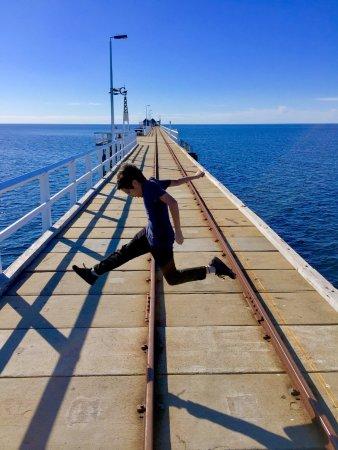 Busselton, Australia: jetty jump 2