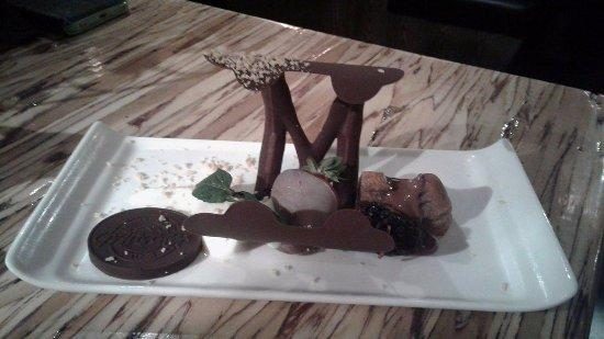 """Saint-Lin-Laurentides, Canada: 8 """"service"""" dessert  miam! miam!"""