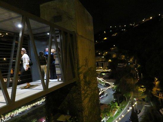 Estalagem Ponta do Sol: Ponte de acesso ao elevador