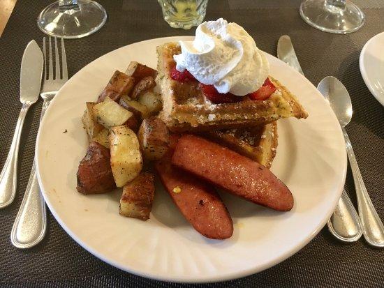 Abigail's Hotel: Breakfast