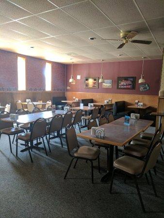 Bowman, ND: Windy's Bar