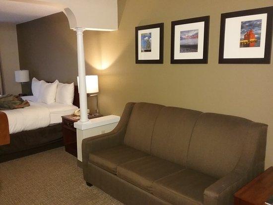 Comfort Suites: TA_IMG_20170911_195039_large.jpg