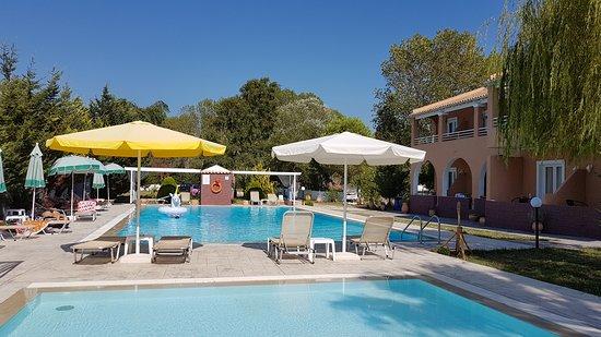 Sausan hotel sidari corfu specialty hotel reviews for Specialty hotels