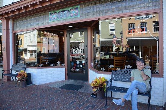 Warrenton, VA: The outside on Main Street.