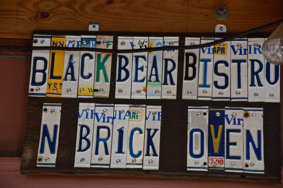 Warrenton, VA: Clever use of old license plates.