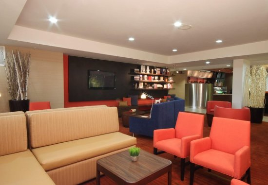 Bloomingdale, IL: Lounge