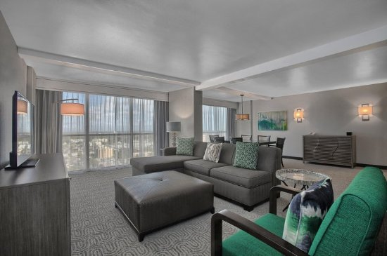 Doubletree By Hilton at the Entrance to Universal Orlando: Suite Living