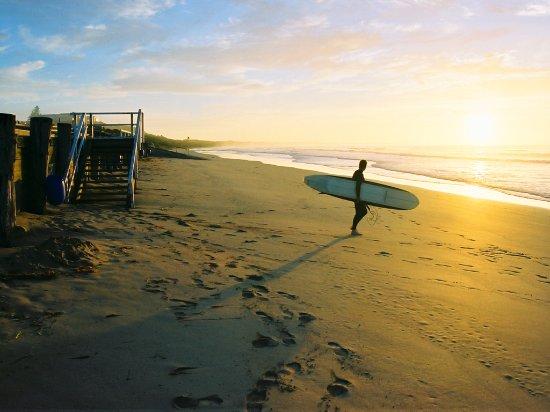 Geelong, Australia: Sunrise Surfer