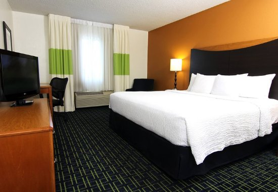 Burnsville, MN: King Guest Room