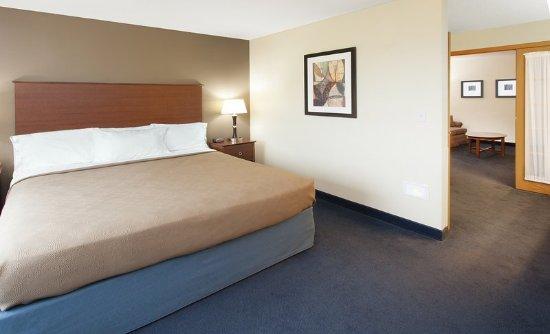 AmericInn Hotel & Suites Webster City: Rm King Suite K