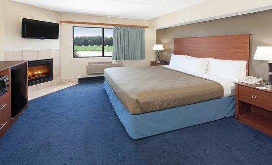 AmericInn Hotel & Suites Webster City: Rm King Whirlpool Fire KWF